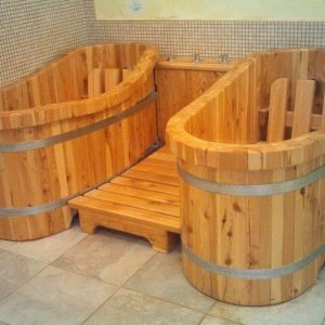 Двойная деревянная ванна